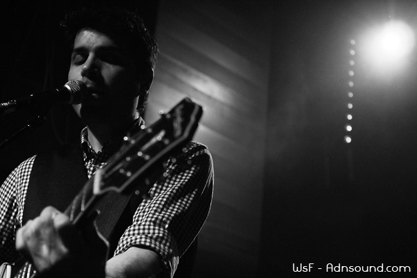 Barzin Live 01 I Come from Pop   Great Lake Swimmers   Le Petit Bain   2012