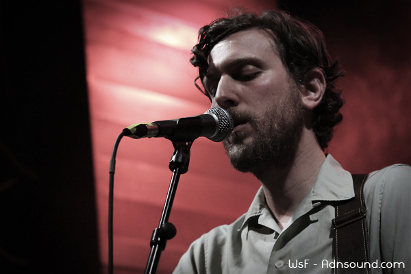 Great Lake Swimmers Live 2012 09 I Come from Pop   Great Lake Swimmers   Le Petit Bain   2012