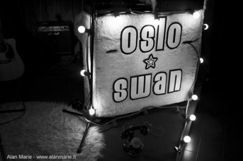 OsloSwanLive-LeChina-01